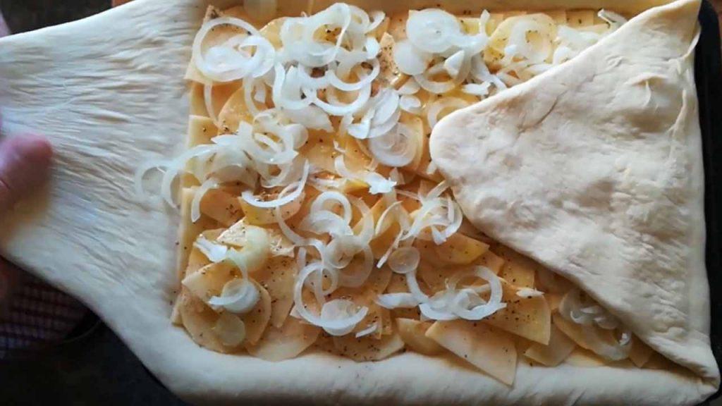 пирог из картошки и лука
